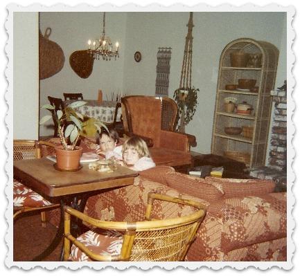 1980-ice cream table