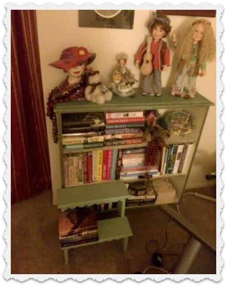 a-bedroom-shelf