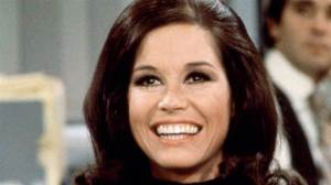 mary-tyler-moore-1920-1080-nbcnews-ux-1080-600